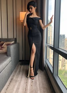 Bollywood and Television Actress Mouni Roy Looks Glamorous and Gorgeous in the Latest Black Western Party Outfit for IIFA Awards Ceremony HD Wallpapers Bollywood Celebrities, Bollywood Fashion, Bollywood Actress, Tamil Actress, Western Outfits, Indian Outfits, Stylish Dresses For Girls, Girls Dresses, Mouni Roy Dresses