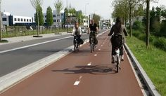 Cycle path in 's-Hertogenbosch, NL. Click image for link to full profile via Bicycle Dutch and visit the slowottawa.ca boards >> http://www.pinterest.com/slowottawa
