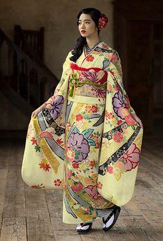 Silk Kimono. made in Kyoto Japan. Yuzen.