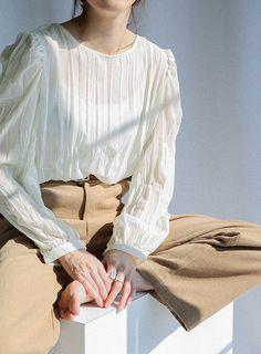 2WAYリンクルブラウス【メール便210円・同型のみ1枚まで可能】 selectMOCA(セレクトモカ)【オフィシャル通販サイト】 Fashion Outfits, Womens Fashion, Fashion Trends, Clothing Hacks, Minimal Fashion, Blouse Styles, Mode Style, Korean Fashion, 1990s
