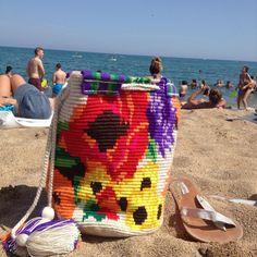 """37 Beğenme, 1 Yorum - Instagram'da Möchi (@mochi_bcn): """"#Kayena paseando por la playa 🏊🏻🏖en Barcelona! ❤️ #mochibcn #mochi #mochilas #estiu #vacances2016…"""""""