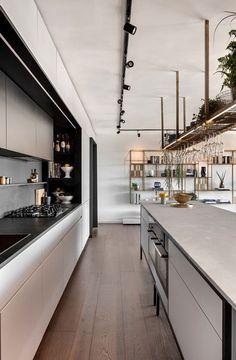 Super Ideas for kitchen island lighting industrial modern Kitchen Lighting Design, Kitchen Island Lighting, Kitchen Lighting Fixtures, Modern Light Fixtures, Modern Kitchen Design, Modern Interior Design, Kitchen Contemporary, Island Kitchen, Design Interiors