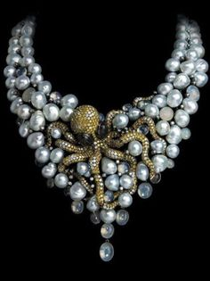 I'm not crazy about pearl jewelry, but I love this jewelled octopus necklace!
