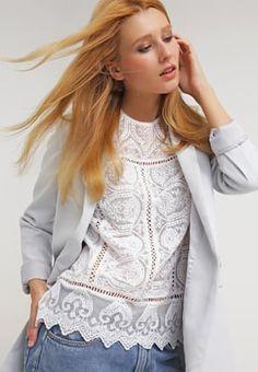 Romantische Outfits leicht gestylt. Miss Selfridge Bluse - cream    für 44,95 € (24.07.16) versandkostenfrei bei Zalando bestellen.