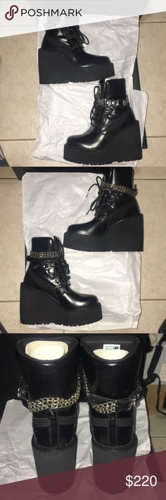 d3cbaa66709c Rihanna SB Wedge Boots All Black Women s Size 4 SB Wedge Rihanna Fenty Boots  Color