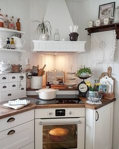 Coastal Style by Jess on I am a huge fan of tiny kitchens and this by far one of the cutest country cottage kitchens Ive seen! Dont you agree Country Cottage Interiors, Cottage Kitchens, Farmhouse Kitchen Decor, Home Kitchens, Tiny Kitchens, Coastal Cottage, Coastal Style, Kitchen Country, Country Cottages