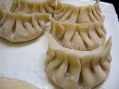 How to Fold a Chinese Dumpling 包鍋貼 | Chinese Recipes at TheHongKongCookery.com