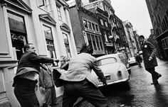 I Amsterdam the PhotoBooks 1907 - 2011 Collection Jan Wingender Photography