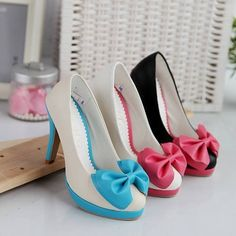 Google Image Result for http://www.hawaiikawaii.net/wp-content/uploads/2011/08/Pastel-Bow-Heels-Cute-Shoes1.jpg