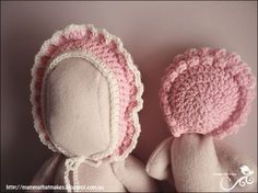 Mamma That Makes: Edith Bonnet - Free Crochet Pattern for prems and newborns Preemie Crochet, Crochet Baby Bonnet, Crochet Baby Hat Patterns, Baby Girl Crochet, Crochet For Kids, Knitting Patterns Free, Free Crochet, Free Pattern, Crochet Hats