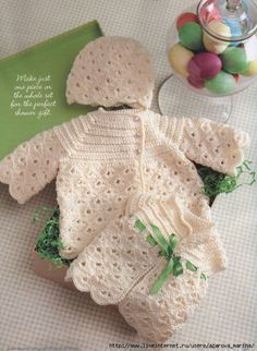 Knitted and crochetted Baby Kit