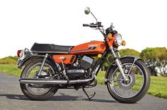 Yamaha RD350 Right View