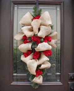 Articles similaires à Noël guirlande toile de jute, jute Swag, Hortensia et jute vacances Couronne toile de jute, toile de jute guirlande de Noël, décor rustique sur Etsy