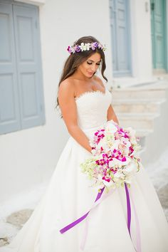 Modern wedding with purple flowers | Cindy & Anthony - Chic & Stylish Weddings