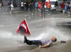 Turkish police use torrent of water in attempt to dampen Ankara protest