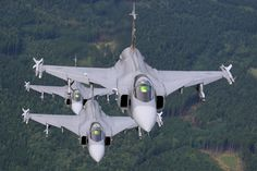 JAS 39 그리펜 (스웨덴 전투기):: 네이버캐스트 Military Weapons, Military Aircraft, Brazilian Air Force, Swedish Air Force, South African Air Force, Fighter Jets, Aviation, Europe, Planes