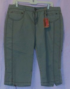 0c75818e4 NWT - Women's No Boundaries Capri Pants Zipper Leg Green Size 15  #NoBoundaries #Capri