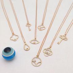 Hem hesaplı, hem farklı minik kolyeler... www.mireillecollection.com www.instagram.com/mireillecollection Tasarım @cemilgezer #mireillecollection #pırlanta #altın #fil #kolye #kuş #fatima #anahtar #tasarım #hediye #şık #şans #kalp #moda #trend #trendy #love #mücevher #luxury #bird #gold #rosegold #chic #elephant #pendant #jewelry #style #key #heart #nişantaşı