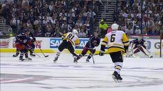 Zach Werenski a été sévèrement blessé lors d'un match de hockey - http://www.newstube.fr/zach-werenski-a-ete-severement-blesse-lors-dun-match-de-hockey/ #Hockey, #MatchDeHockey, #ZachWerenski