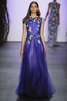 #TadashiShoji #SS16 collection@ #NYFW featured #romantic #naturescenes of #Japan in #spring when #peonies, #irises and #sakura are blooming in the fantastical garden reminiscent of the #designer's childhood memories from his motherland. The typical Shoji type of #ethereal #elegance & #delicate #femininity were fully reflected in subtle #sheerness, intricate #floral #embroidery & #appliqués #embellishments. The gorg #violet color caught my eye among a lot of #pastels dominating the…