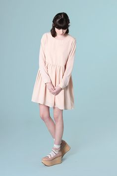 Back Button Smock Dress Pale Pink - THE WHITEPEPPER