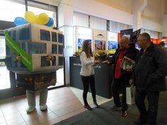 Odwiedziliśmy targi mieszkaniowe w Krakowie, które odbyły się w dniach 22-23 listopada.  Kampania promująca Apartamenty Novum w Krakowie zlokalizowana na ulicy Rakowickiej. Nierozłączny team pracował zarówno w środku jak i na zewnątrz hali targowej. Personel zapraszał do odwidzenia biura sprzedaży.