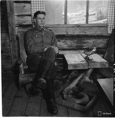 Mannerheim-ristin ritari ja kaukopartio-osaston johtaja Heikki Nykänen (1920-2011).