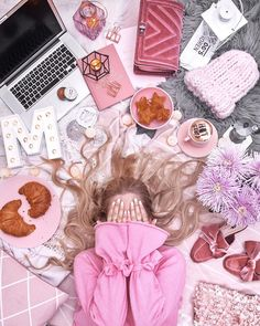 🙈 MONDAY STRUGGLES 🙈This is how I feel about Monday 😂 How do you like this flatlay and how was your first day of this week ladies? Pink Photography, Flat Lay Photography, Princess Aesthetic, Pink Aesthetic, Pink Love, Pretty In Pink, Flamingo Rosa, Fashion Blogger Instagram, Mode Rose