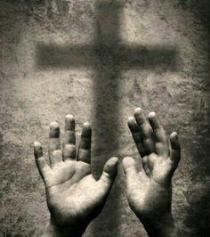 Pedir al dueño del oro y la plata, obra bien y Dios abrirá tus caminos y tus empresas. Si en el pasado cometistes errores enmiendalos, cree en Ti no en lo que dicen los demás. Al que pide se le da, al que toca se le abre y la Gracia de Dios no te abandona ni de día ni de noche, tienes al Guardián que te cumple fiel.  Deuteronomio 15:6 [6]Sí, el Señor, tu Dios, te bendecirá como te lo ha prometido: tú prestarás a muchas naciones, sin tener necesidad de pedirles prestado, y dominarás a muchas…