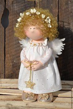 Christmas Angel (Elena Korunova, Russia).