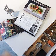 Los 1001 secretos de las cocinas #Bulthaup. Por ejemplo estos cajones clasificadores. .  #arq #kitchen #kitchendesign  #pepecabrerastudio #denia #design #interiordesign #architecture #inspiration #arquitectura #decor #designer #homedecor #style #home #decoracion #vsco #interiorismo #vscocam #archilovers #igersvalencia #styling