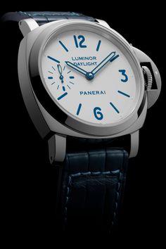 Panerai - Luminor 8 Days, ref.PAM786 - Manual-winding, cal.P.5000, 3Hz, 8dd p.r. - 44mm, steel case, white dial ~13k