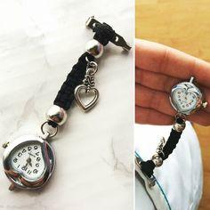 Reloj vintage para sanitarios. La correa está tejida a mano.