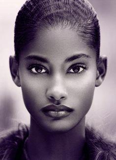 Black beauty Melodie Monrose