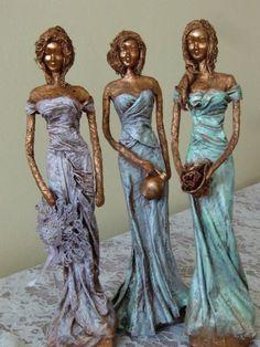 Textile Sculpture, Paper Mache Sculpture, Sculpture Art, Glass Bottle Crafts, Bottle Art, Clay Fairy House, Pottery Animals, Plaster Art, Doll Wigs