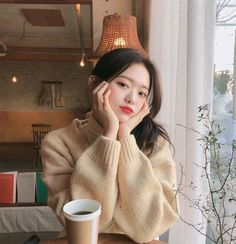 Discover recipes, home ideas, style inspiration and other ideas to try. Korean Girl Short Hair, Korean Girl Cute, Korean Girl Ulzzang, Ulzzang Girl Fashion, Pretty Korean Girls, Cute Asian Girls, Cute Girls, Pelo Guay, Girl Korea