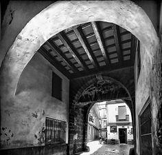 Arco del Pópulo Cadiz, Granada, Santa Maria, Arches, Antique Photos, Buildings, Cities, Little Cottages, Grenada