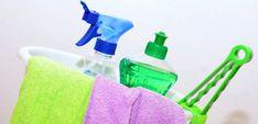 Como organizar a limpeza da casa? Confira o guia completo - como organizar a limpeza da casa Household Cleaning Tips, Household Cleaners, House Cleaning Tips, Spring Cleaning, Household Items, Cleaning Hacks, Cleaning Products, Cleaning Services, Green Cleaning