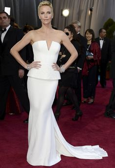 Charlize Theron dazzled in white Dior couture at 2013 Oscars
