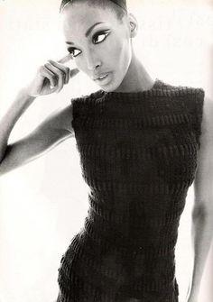 "Beverly Peele "" Cocktail Story "" by Steven Meisel Vogue Italia April 1994 Black Female Model, Black Models, Female Models, Women Models, Major Models, 90s Models, Glamour, 90s Fashion, Fashion Models"