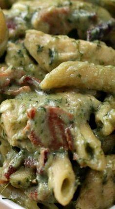 One-Pot Chicken Spinach Bacon Alfredo