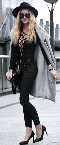 Endzel Gray Coat On Total Black Fall Streetstyle Inspo #Fashionistas
