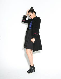 PINK LINE TRENCH http://arcloset.com/product_view.php?gs_idx=OU130078CT