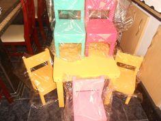 Mesinha Infantil Com 4 Cadeiras Varias Cores