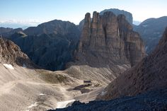 Rifugio Re Alberto e Torri del Vajolet Dolomiti Italia foto Rivier De Mari