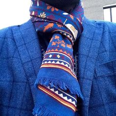 #drakes#drakesscarf#madetomeasure #mensclothing #menswear #menstyle#dapper #dandy #classicstyle #classic #blue#chic #elegant #custommade #custom #bespokestyle #bespoke #madetomeasure #blazer#fall#cool#besdressed
