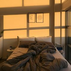 Incredible Yellow Aesthetic Bedroom Decorating Ideas 25 images ideas from Modern Bedroom Designs My New Room, My Room, Bedroom Inspo, Bedroom Decor, Bedroom Lighting, Cozy Bedroom, Bedroom Ideas, Aesthetic Bedroom, Cozy Aesthetic