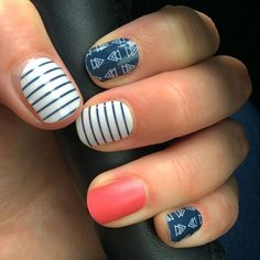 Awesome days are even better with awesome nails! #Jamberry #jamberrynails #jamberryaustralia #nailfashion #freespiritjn #juicyjn #mixedmani #buy3get4thfree #kfnailwraps