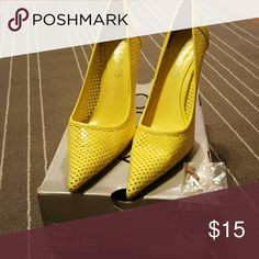 Shop Women's ALDO Yellow size 8 Heels at a discounted price at Poshmark. Aldo Shoes, Shoes Heels, Fashion Tips, Fashion Trends, Fashion Design, Accessories, Things To Sell, Style, Fashion Advice