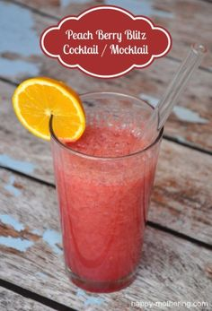Enjoy a Girls Night In with a Peach Berry Blitz Cocktail / Mocktail Recipe #GirlsNightIn